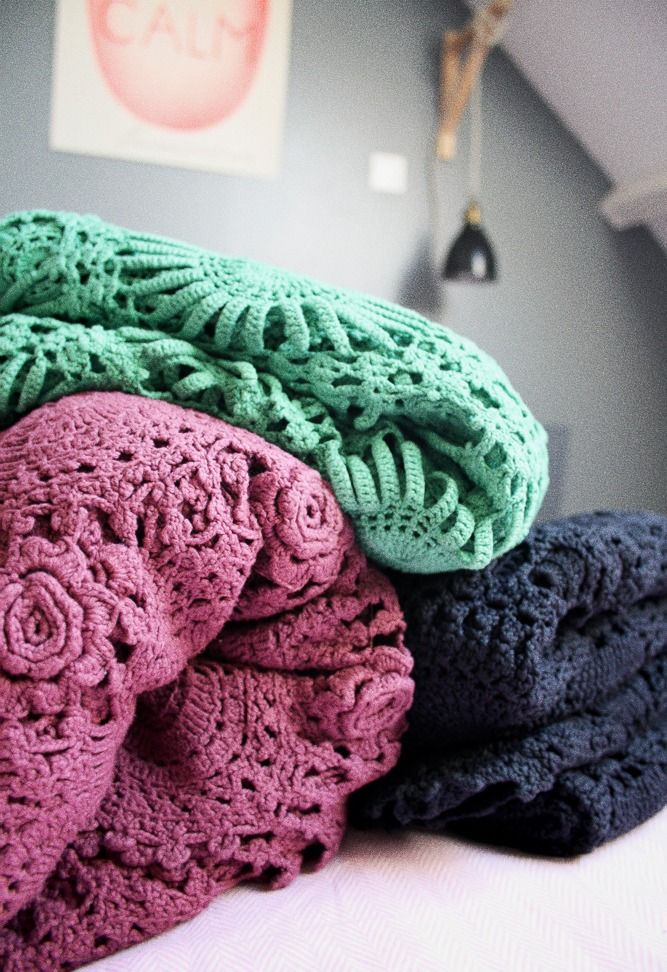 couvre lit en crochet teint les petits bohemes crochet lovers pinterest crochet and lit. Black Bedroom Furniture Sets. Home Design Ideas