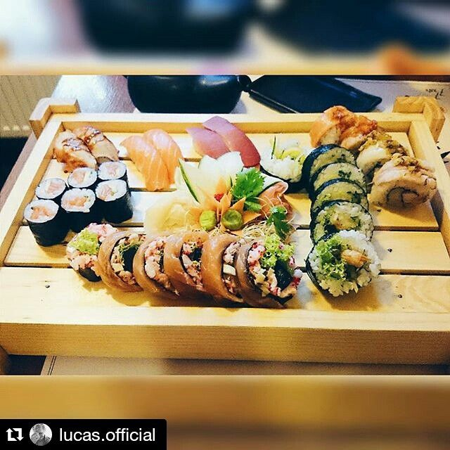#Repost @lucas.official ・・・ O niebiosa!  #sushi #77sushi #poznan #wozna #now #meal #love #brzuchopełne #nigdyniezawiele #vscocam #instafood #sushilover #afternoon #with #him #instagood #instagrampl