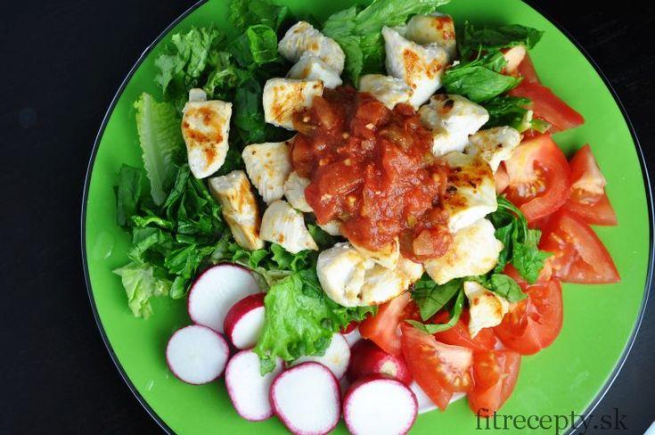 Výborný, jednoduchý, pikantnejší kurací šalát so salsou. Ingrediencie (na 1 porciu): 150g kuracích pŕs štipka morskej soli šalát paradajka reďkovka Na salsu (4 porcie): 5 väčších čerstvých paradajok 2-3 strúčiky cesnaku 1/2 cibule (najlepšie šalotky) 1 PLolivového oleja 1 vyšťavená limetka (alebo 1/2 citrónu) soľ, čierne korenie chilli/ jalapenos (podľa chuti) čerstvý koriander alebo petržlen […]