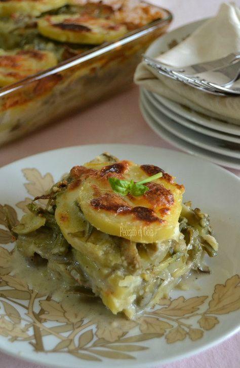 Un buon piatto unico, che può essere anche riprodotto in versione vegan, è questo della parmigiana di patate e carciofi. Vedrete è semplicissimo da fare.