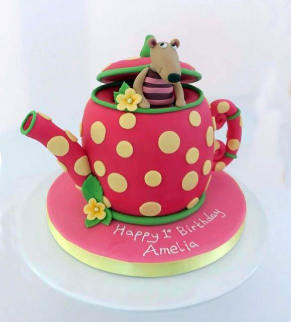1000 Ideas About Novelty Birthday Cakes On Pinterest