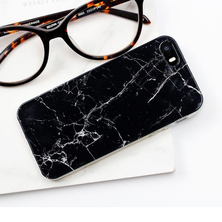 Simply Classic Marble Case | Bo czasem im mniej tym lepiej;) Proste czarne marmurowe etui na telefon Apple iPhone 5s. Pokrowce dostępne są także na inne telefony #simply #simplicity #basic #design #marble #case #phonecase #muscat #glass #style #fashion #essentials