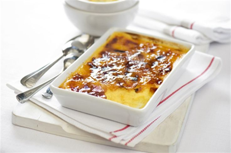 A good crème brulee relies on a good stove top and a good teacher. Thankfully, we have Margaret Fulton!
