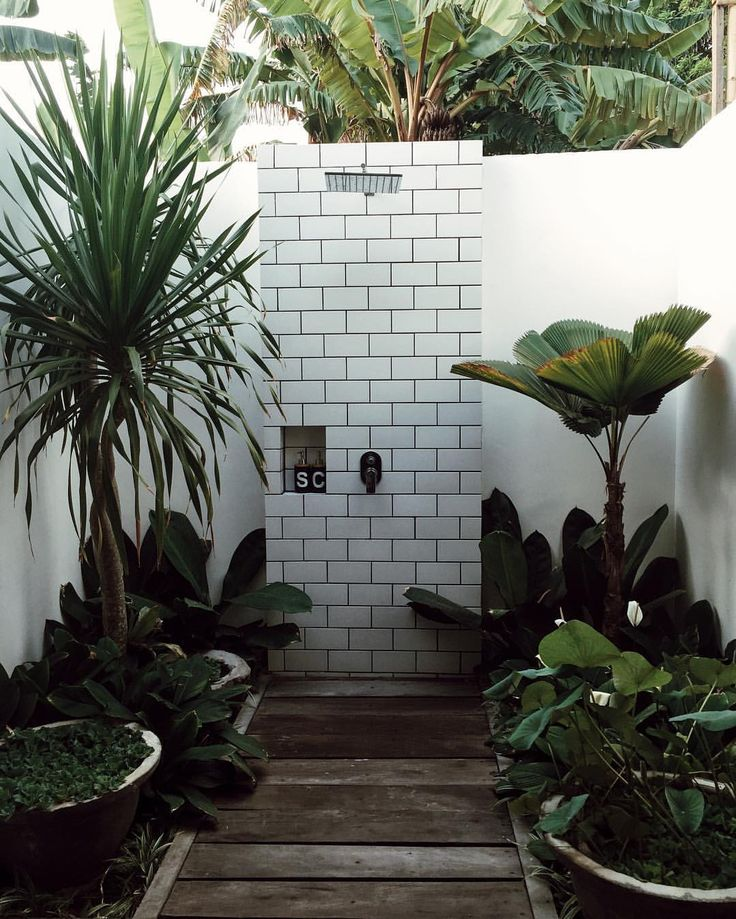 Bathroom Outdoor: 675 Best Images About OUTDOOR SHOWERS On Pinterest