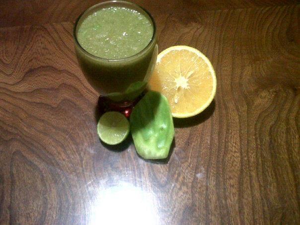 Saludable y fresca receta de jugo de nopal, te recomiendo tomar este jugo de nopal por las mañanas, te dará mucha energía ya que el nopal es uno de los ingredientes más sanos y saludables.