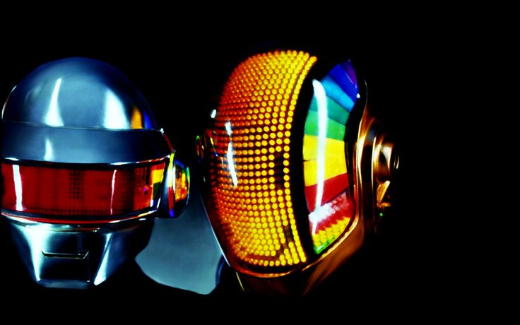 Cascos del grupo musical Daft Punk by Tony Gardner de Alterian Inc.