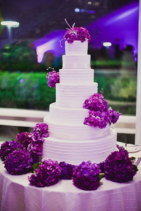 This cake is unreal! Gorgeous purple wedding cake