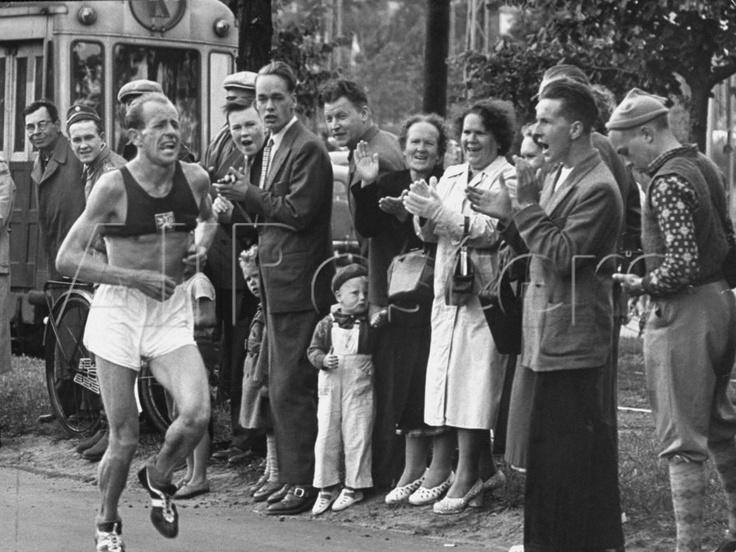 1952 Olympic Marathon, Helsinski, Sweden, eventual winner Emil Zatopek leading