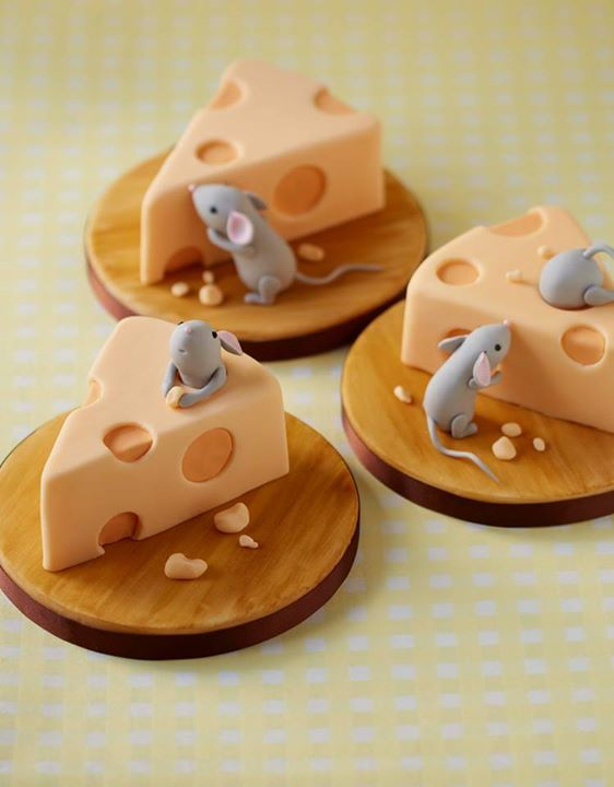 Edible Art. Mice & Cheeses Mini Cakes