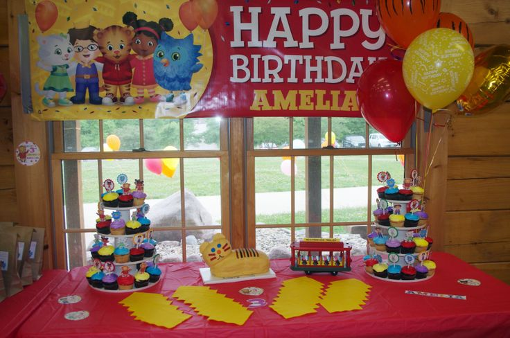 Cake table for Daniel Tiger party