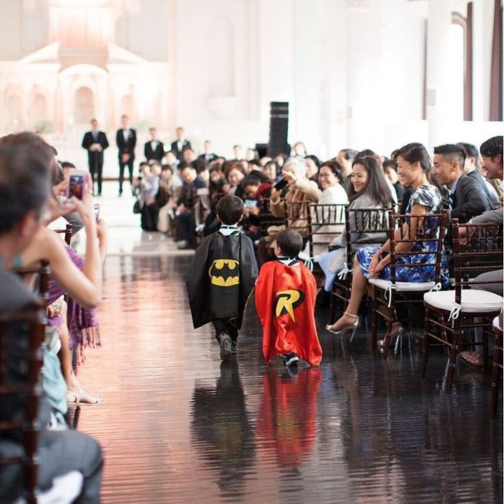 We can't get enough of these adorable  superhero ring bearers. (Photo: @eileenliuphoto | Planner: #MomentsToRemember | Florals: @flowersbyleah)