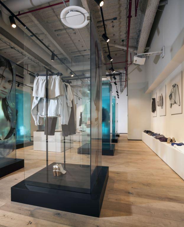 #Showroom Calvin Klein México . #Oficinas . Space Arquitectura   Juan Carlos Baumgartner.  Premio VIII Bienal CIDI Interiorismo, Diseño y Paisajismo #fashion #moda #interiorismo #interiordesign