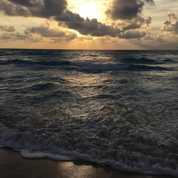 Good Morning  By @marieahengesbach  At Live Aqua Beach Resort Cancun Quintana Roo Mexico - #awesome #morning #sun #clouds #oceanviee #caribbean #gold #inlove #qoolmx #rivieramaya #passion #quintanaroo #cancun #sea #visitmexico #qoolmx