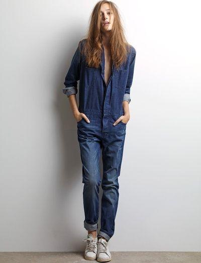 Wanted : une combinaison en jean à porter les manches roulottées et les cheveux lâchés (Ba&Sh) - Tendances de Mode