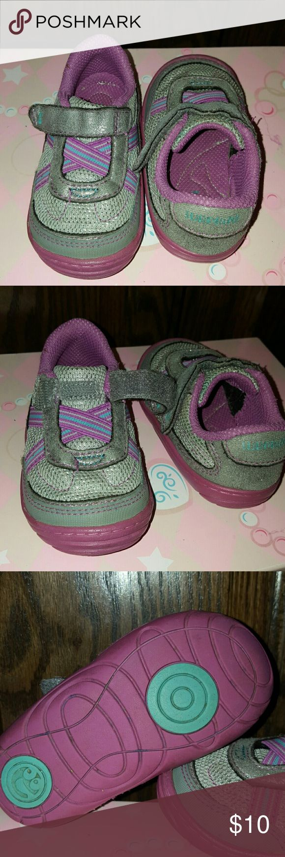 🎀 Baby Girl, sz. 5, Tennis Shoes 🎀 Very good condition, sz. 5, purple and silver baby girl tennis shoes! Purple & turquoise elastic crisscrosses over tongue and they close w/ a velcro strap! These are great shoes!!! Surprize Shoes Sneakers