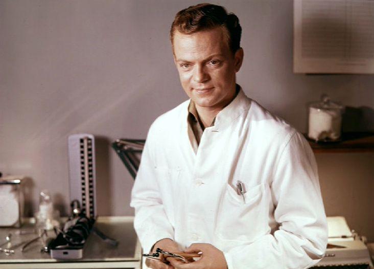 som lægen Jens Winther, i Landsbylægen fra 1961.