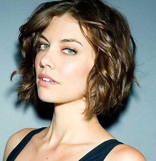 35 Best Short Wavy Hairstyles
