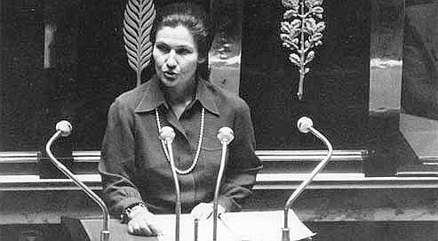 Simone Veil devant l'Assemblée Nationale le 26 novembre 1974