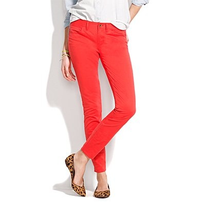 Polished yet so easy: red jeans and leopard flats.