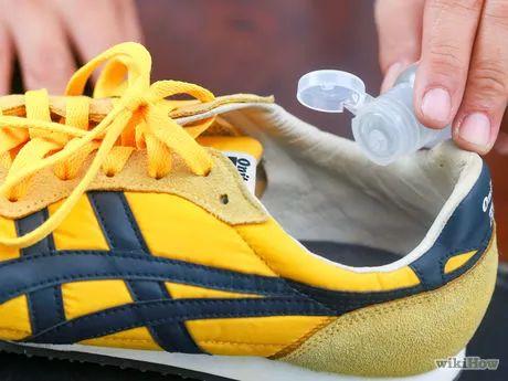Stinkende schoenen opfrissen.