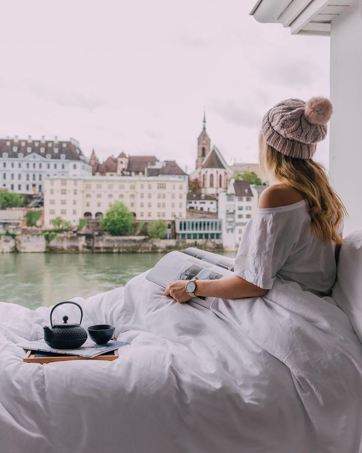 Waking up in Basel to these views at @hotelkrafftbasel 😍 Definitely not complaining! Although I spent a mere 48 hours in Basel, it didn't take long to become infatuated with this pretty lil Swiss city. After all, it's hard not to love a city that is home to world-class art galleries, an old town that looks like it is out of a fairytale and some of the World's best chocolate! 🍫  •••  PS. I've just uploaded my 48-hour guide to Basel to the blog so check the link in my bio to see what I got…