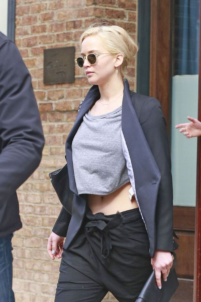 Jennifer Lawrence Leaving her Hotel in NYC : Global Celebrtities (F) FunFunky.com
