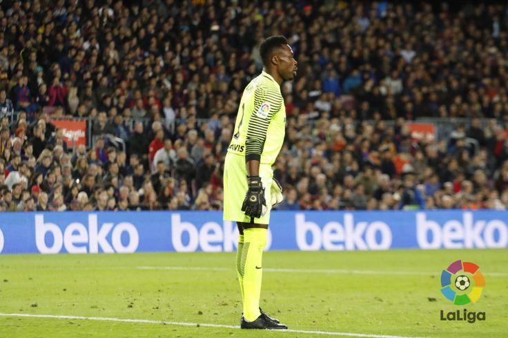 El Málaga saca un empate a 0 en el Camp Nou con una espectacular actuación de Kameni! @Malaga #9ine