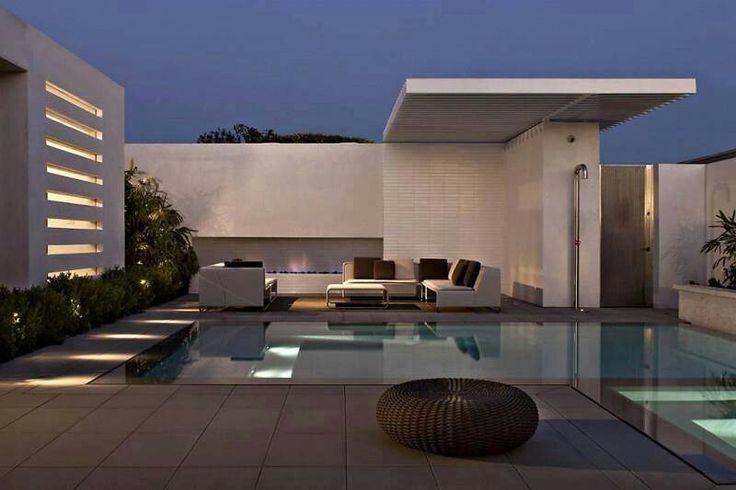 Well designed pool area.