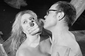 """""""Φράνσις"""" της Αλμπέρτα Τσοπανάκη στο Θέατρο Παραμυθίας  Τα #έσοδα των εισιτηρίων των παραστάσεων: Σάββατο 9/4/2016, Κυριακή 10/4/2016, Σάββατο 16/4/2016 και Κυριακή 17/4/2016 θα διατεθούν για τρόφιμα και είδη ανάγκης που στη συνέχεια θα προσφερθούν από τον Δήμο Αθηναίων στους #άστεγους. _________________ #theater #theatre #art http://fractalart.gr/fransis/"""