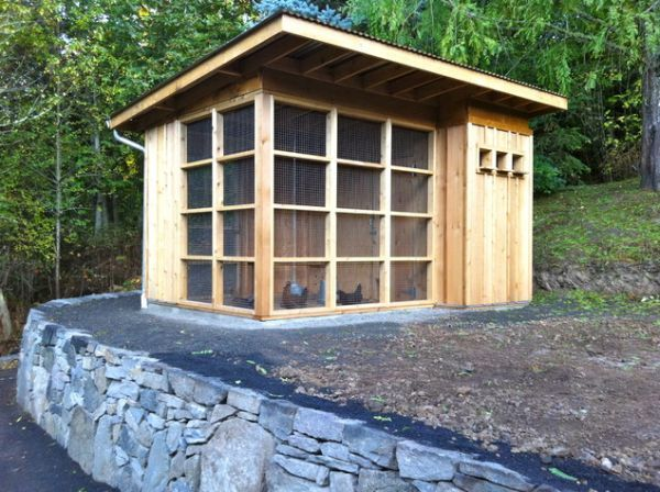 402 best cute coops images on pinterest backyard for Cute chicken coop ideas