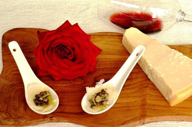 carpaccio de parmesan și trufe – rafinament maxim cu două ingrediente - http://www.dorianradu.ro/recipes/carpaccio-de-parmesan-si-trufe-rafinament-maxim-cu-doua-ingrediente/