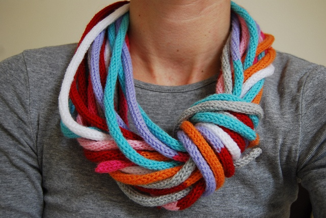 i don't know if i love it or hate it. anything warm to throw around my neck. i love scarves.