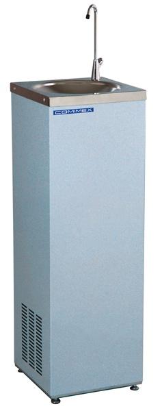 ModèleEDA 45 BGRS  Série économique : eau réfrigérée  La fontaine EDA est caractérisée par un design simple et carré et une carrosserie monobloc gris bleuté. Cette  fontaine s'intègre partout et procure de l'eau fraîche à moindre coût.