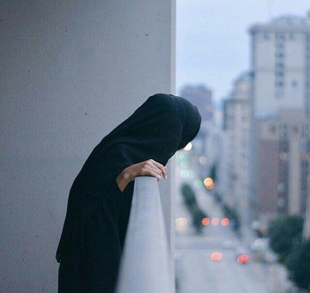 Niqabi/Hijabi