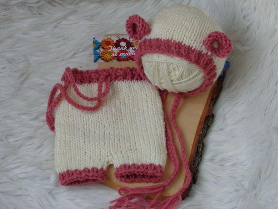 Newborn Set .Newborn Bonnet and Pants.Newborn by knitsdwarfs