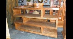 Estante em madeira de demolição.   http://www.galpaourbanomoveis.com.br/estante/N32