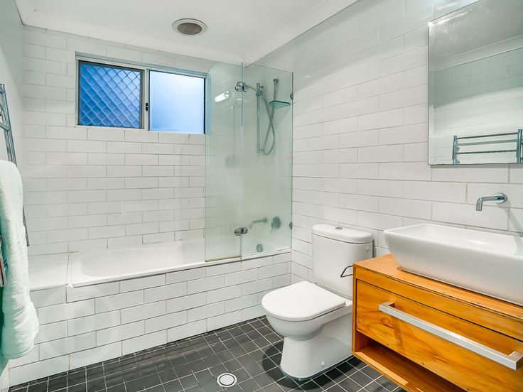 27 Cramond Street, Wilston  // Mario Sultana #bathroom #bathroominspiration #homeinspiration #neutral #tiles #sink #home #homedecor #brisbane #queensland #realestate #inspiration #homedecorate #realestate #realtor #brisbanerealestate #decorator #interiordesign #modern #crisp #light #open #space