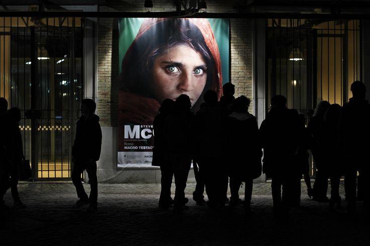 Pamatujete si na ty pronikavě zelené oči? Dívka z nejznámější titulky National Geographic zatknuta