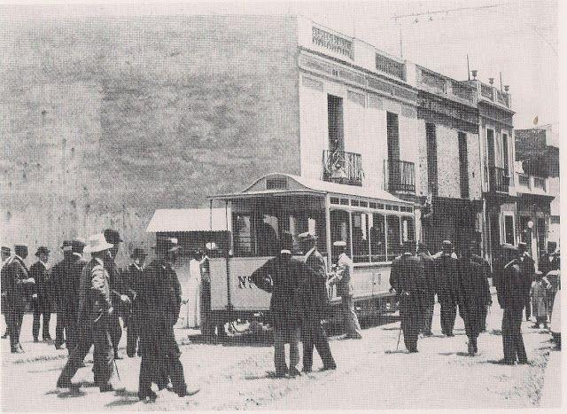 Inauguració del tramvia elèctric a la Plaça d'Eivissa, Horta, Barcelona
