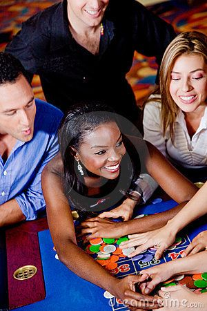 Online casinos welcoming USA players with big deposit bonuses.