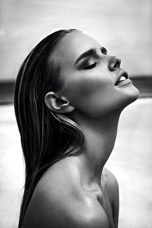Thursday Inspo // 11 - Bella to Bella: Barbara Palvin, Black & White, Editorial, Beauty