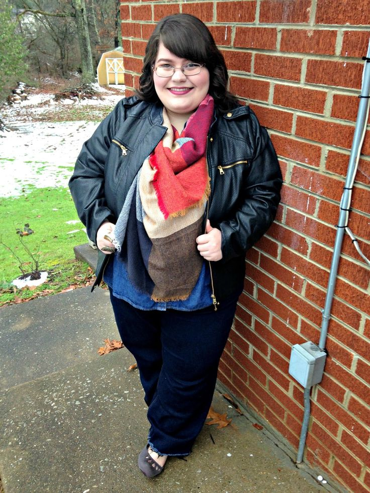 Unique Geek: Plus Size OOTD: Blanket Scarf Weather #plussizefashion #plussizeblogger #plussize #plussizeootd #outfit #plussizewinteroutfit: