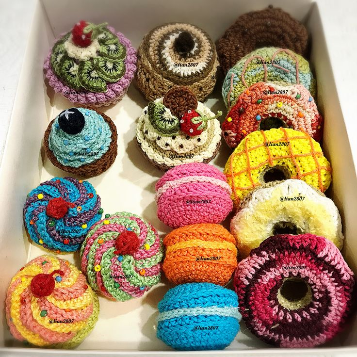 Various crocheted cakes