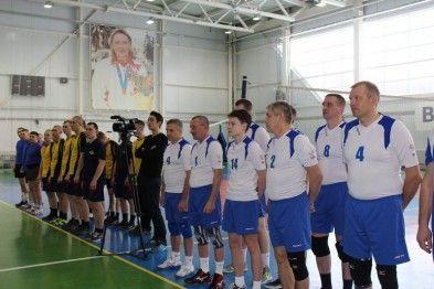 В Арзамасе прошел турнир по волейболу среди силовых структур (ФОТО). >>> Турнир по волейболу, посвященный Дню защитника отечества прошел в Арзамасе.  #Арзамас #спорт #волейбол Подробнее: http://www.83147.ru/news/2628