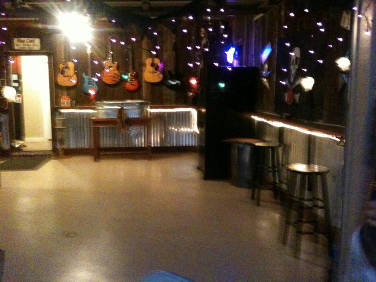Best Rustic Man Cave / Bar Garage Pic 2