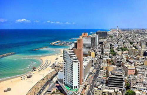 Panoramica di Tel Aviv, con scorcio sul mare e le spiagge bianche