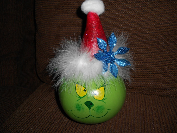 hand painted dried gourd mr grinch table ornament guardsman trenngitter gourdes