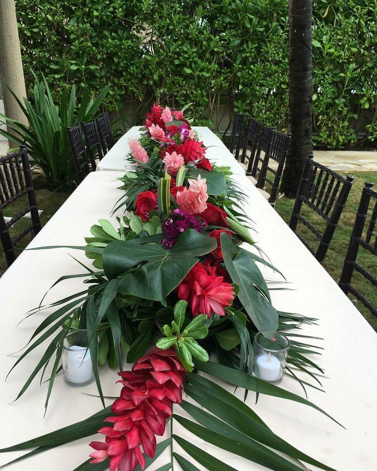CBC318 weddings Riviera Maya tropical runner centerpiece/ centro de mesa tropica…