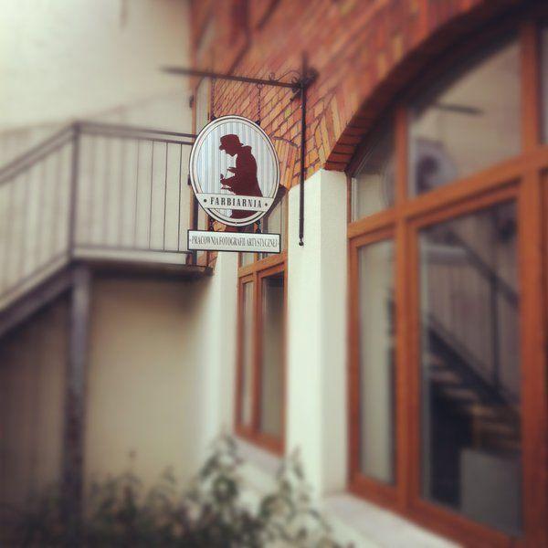 Znasz Farbiarnię? Zawiera w sobie #studio fotograficzne, miejsce warsztatowe, galerię i #wydawnictwo! Może warto tam zajrzeć, co?:) #RuszTyłekZobacz #Bydgoszcz