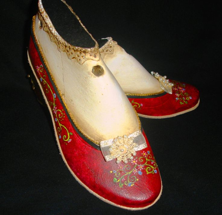 antique wood shoeform, painted by me